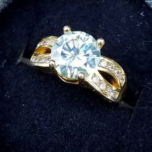Jewelry - 4 Carat Moissanite Ring - Size 6.5